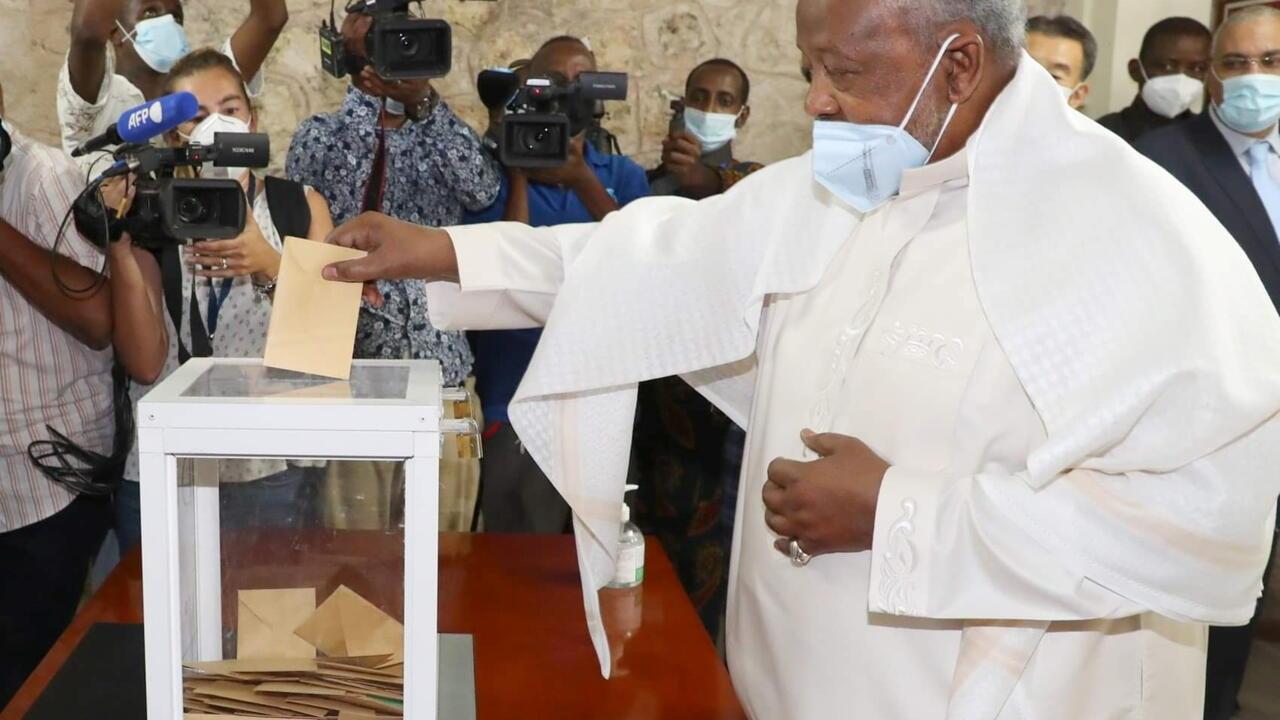 Djibouti veteran ruler Guelleh wins election landslidegoogle-play-badge_EN