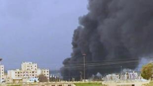 Cidade de Homs é alvo de bombardeios constantes há duas semanas.
