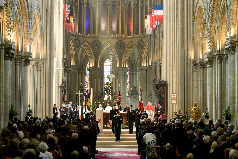 75-летие высадки союзников в Нормандии: служба в соборе города Байе в присутствии британского принца Чарльза