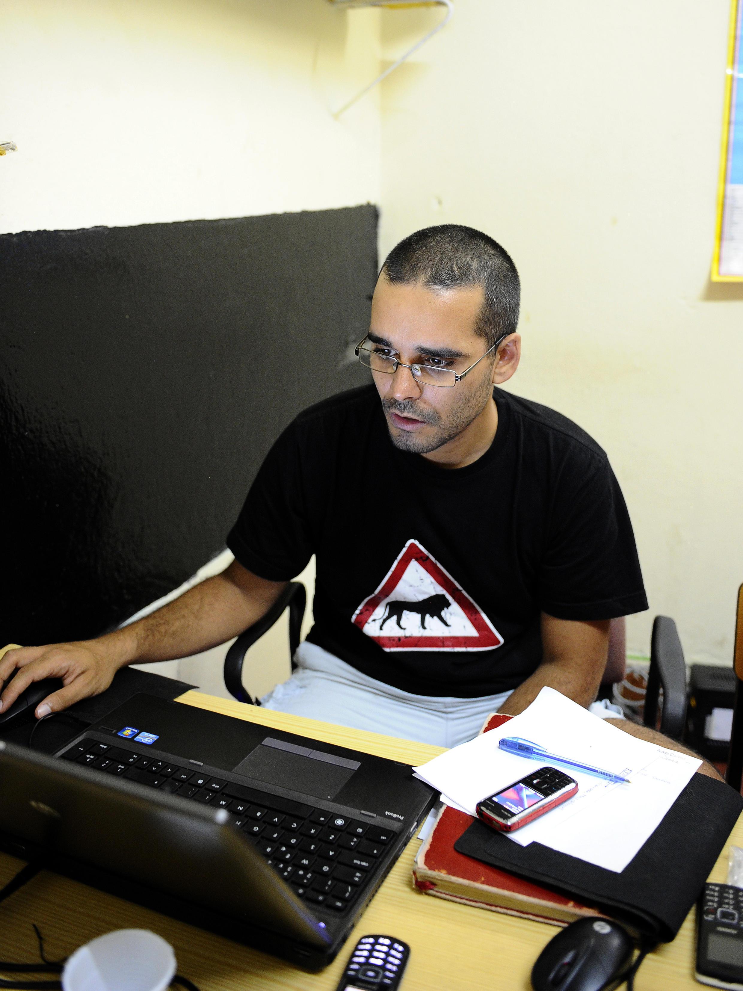 Le rappeur et militant des droits de l'homme Luaty Beirao, ici en 2012, est en grève de la faim depuis le 21 septembre.