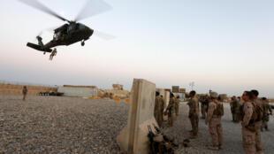 Военные учения американских солдат в провинции Гильменд на юге Афганистана, 6 июля 2017.