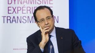 François Hollande in Aubervilliers, near Paris, 28 Nov.