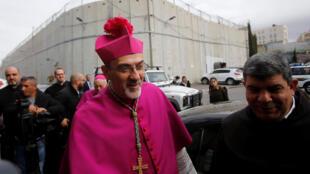 Tổng giám mục Pierbattista Pizzaballa tại Beelem trước giờ cử hành Thánh lễ. Ảnh ngày 24/12/2017.