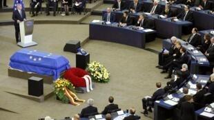 Tang lễ tiễn biệt cựu thủ tướng Đức Helmut Kohl tại Nghị Viện Châu Âu, Strasbourg, Pháp, ngày 01/07/2017.