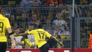 Pierre-Emerick Aubameyang (Dortmund) marque contre Arsenal, 16 septembre 2014.