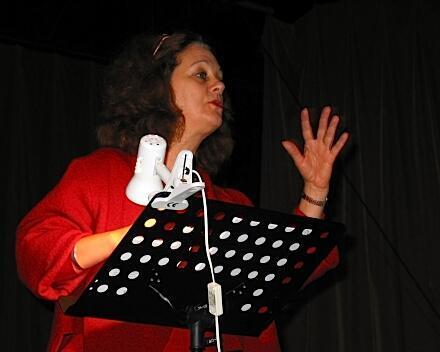 Susana  Lastreto interpreta a Idylle, quien tiene un idilio amoroso con su país y Francia.