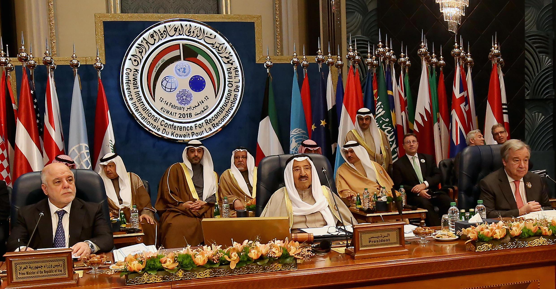 Le Premier ministre irakien Haider al-Abadi, l'émir du Koweït Sabah al-Ahmad al-Sabah et le secrétaire général des Nations unies Antonio Guterres, lors d'une conférence internationale pour la reconstruction de l'Irak à Koweit City (image d'illustration).