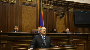 Новый президент Армении Армен Саркисян в парламенте 2 марта 2018 г.