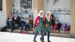 Des écoliers jordaniens et syriens, le 3 avril 2016 à Amman, en Jordanie.