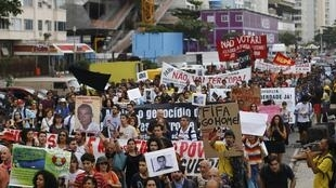 Une manifestation contre la Coupe du Monde de football à Rio, le 23 juin 2014