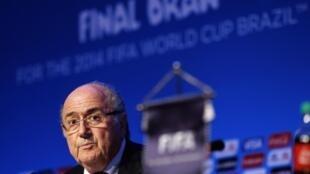 O presidente da Fifa, Joseph Blatter, durante entrevista coletiva nesta quinta-feira no resort de Costa do Sauípe, na Bahia.