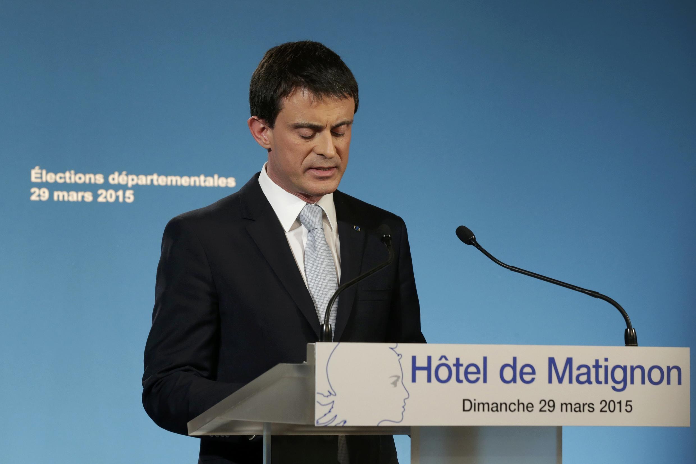 O primeiro-ministro, Manuel Valls, em pronunciamento para analisar o resultado das eleições departamentais na França.
