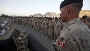 Cerimônia marcou o encerramento da missão canadense.