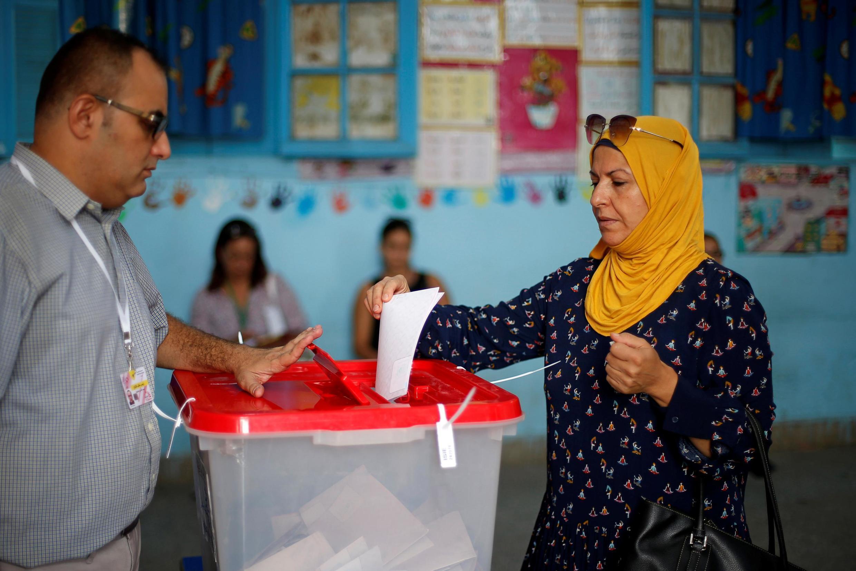 Cử tri đi bầu cử tổng thống tại Tunis, ngày 15/09/2019.