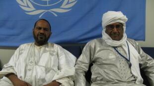 Sidi Brahim Ould Sidatte de la CMA (gauche) et Moulaye Ahmed Ould Moulaye Rigani de la Plateforme (droite), dans les locaux de la Minusma à Tombouctou, lors de l'élaboration du document commun sur la région de Taoudeni.