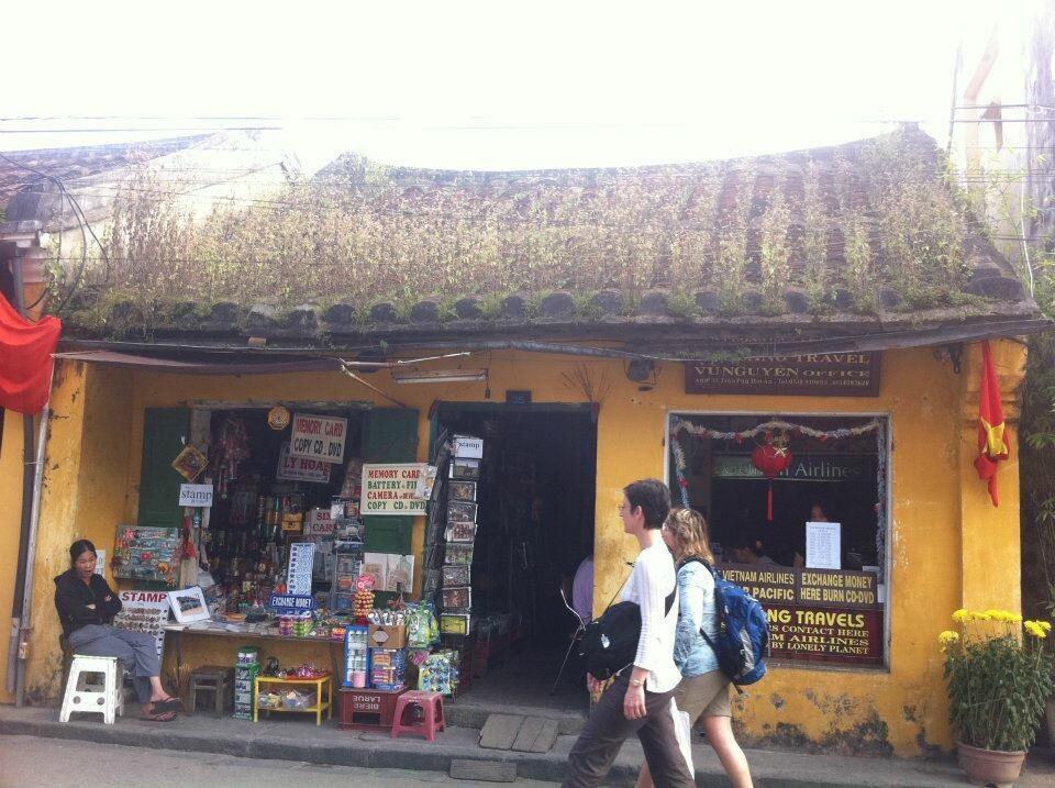 Một cửa hàng nhỏ ở Hội An.
