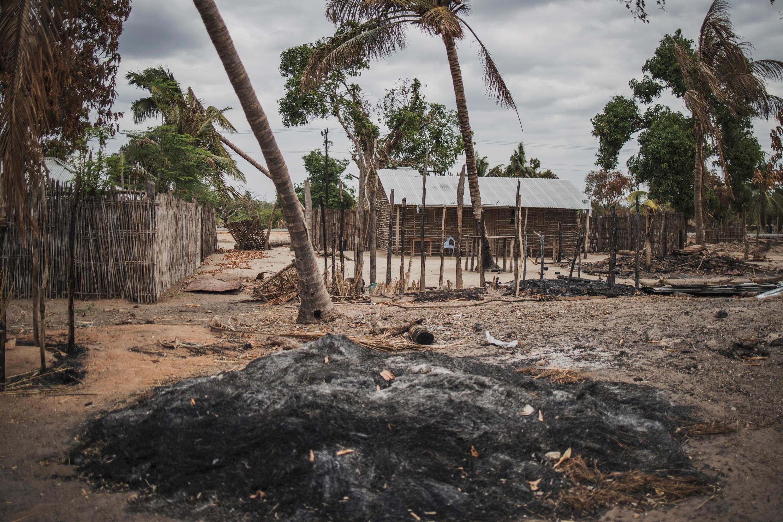 Kijiji cha Aldeia da Paz, karibu na Macomia katika mkoa wa Cabo Delgado, baada ya shambulio la kigaidi, Agosti 2019.