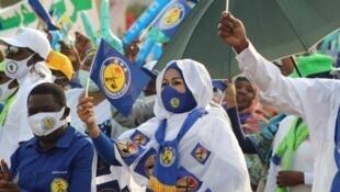 déby campagne présidentielle tchad meeting