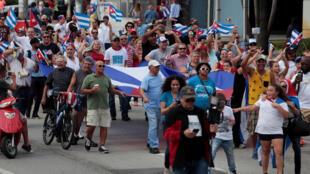 Les gens ont fait la fête à Miami, après l'annonce de la mort de Fidel Castro à La Havne le 26 novembre.