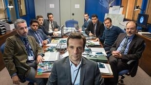 Le bureau des légendes, série réalisée par Eric Rochant, dont la deuxième saison commencera le 9 mai 2016 sur Canal +.