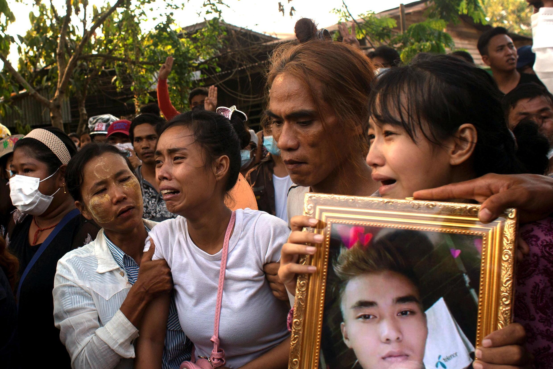 2021-03-11T124323Z_459052724_RC209M95MUF0_RTRMADP_3_MYANMAR-POLITICS