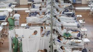 2021年3月4日巴西圣保罗一家医院救治新冠病人