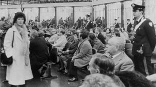 Ouverture du procès de 474 personnes accusées d'activités mafieuses, à Palerme, le 10 février 1986.