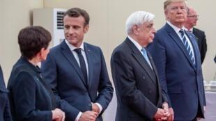 O presidente francês Emmanuel Macron e o presidente dos EUA, Donald Trump, são vistos à frente das comemorações do 75º dia em Portsmouth, Grã-Bretanha, 5 de junho de 2019.