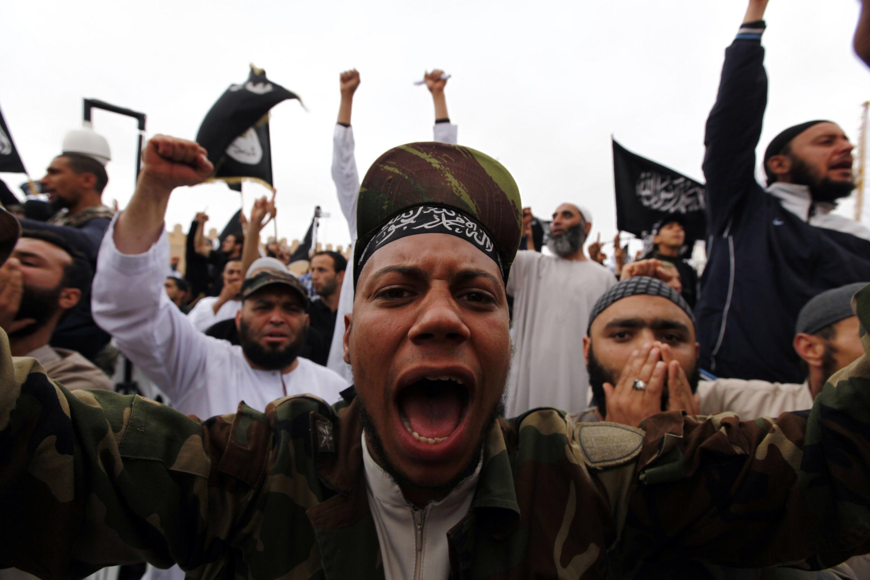 Les salafistes sont à l'origine de plusieurs manifestations de violences en Tunisie. Ici, lors d'un rassemblement à Kerouan le 20 mai