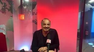 L'écrivain Akli Tadjer en studio à RFI (mai 2019).
