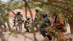 Des militaires burkinabè lors d'un entraînement pour combattre le terrorisme dans l'est du pays le 13 avril 2018. (Image d'illustration)