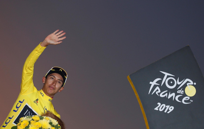 Egan Bernal, vencedor do Tour de France 2019  e primeiro colombiano a inscrever o seu nome no palmarés da prestigiosa corrida ciclista. Paris 28 de Julho de 2019