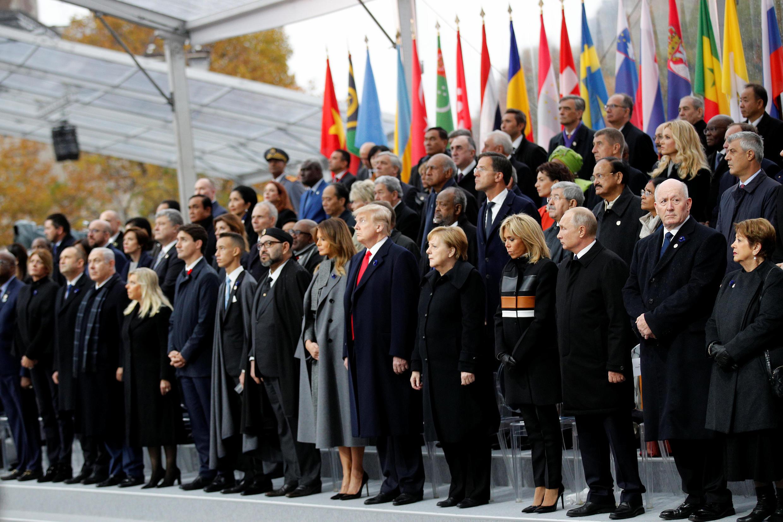 مراسم بزرگداشت یکصدمین سالگرد پایان جنگ جهانی اول، با حضور ۷۰ تن از رهبران کشورهای مختلف جهان در برابر مزار سرباز گمنام ، زیر طاق پیروزی در خیابان شانزهلیزه پاریس. یکشنبه ٢٠ آبان/ ١١ نوامبر ٢٠۱٨
