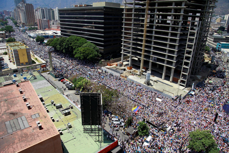 Manifestation de l'opposition contre Nicolas Maduro à Caracas, le 6 avril 2019. 委內瑞拉反馬杜羅示威集會 2019年4月6日星期六 加拉加斯