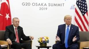 Recep Tayyip Erdogan lors d'une réunion bilatérale avec Donald Trump au sommet des dirigeants du G20 à Osaka, le 29 juin 2019.