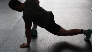 En cas de contractions musculaires, de douleurs articulaires, de courbatures, de spasmes et de crampes, la chaleur peut aider.