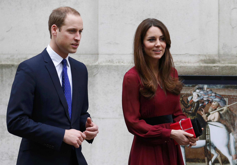 Comunicado da secretaria dos duques de Cambridge diz que o bebê de Kate Middleton e do príncipe William deve nascer no mês de julho.