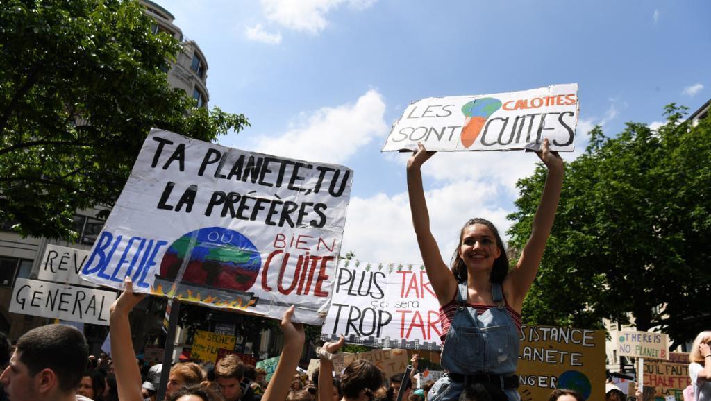 برای اولین بار ۲۵ درصد جوانان فرانسه آرای خود را به سود مدافعان محیط زیست به صندوق های رأی ریختند.