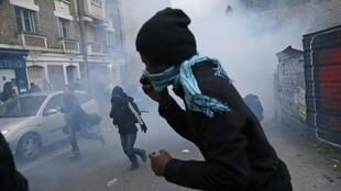Police use teargas to disperse Saturday's demonstration in Rennes