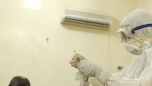 A epidemia do Ebola já deixou 729 mortos na África