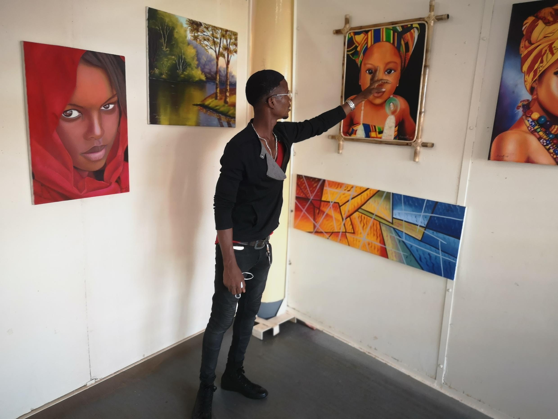 Serafim dos Santos, artista plástico guineense.