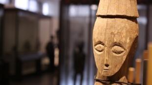 Une des salles d'exposition du tout nouveau Musée national de la République démocratique du Congo à Kinshasa.