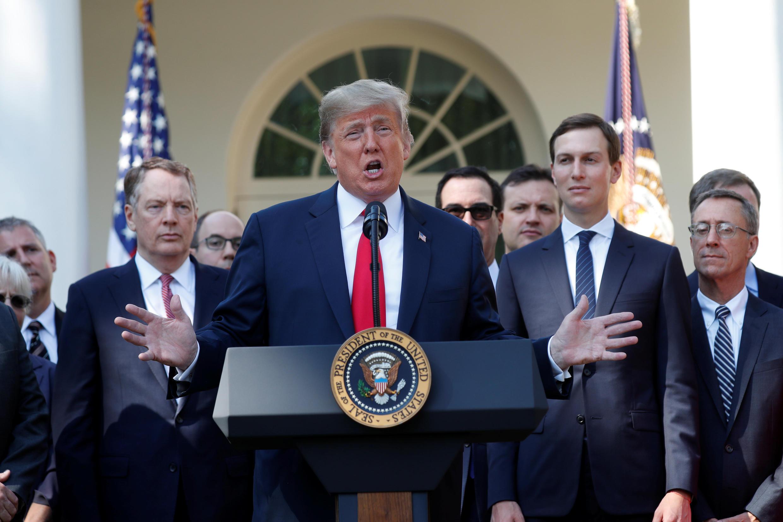 Le président américain Donald Trump a donné ce lundi matin une conférence de presse sur l'accord commercial entre les Etats-Unis, le Mexique et le Canada (AEUMC) depuis les jardins de la Maison Blanche.