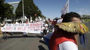 Movimento dos Atingidos por Barragens protestam contra a construção da Belo Monte.