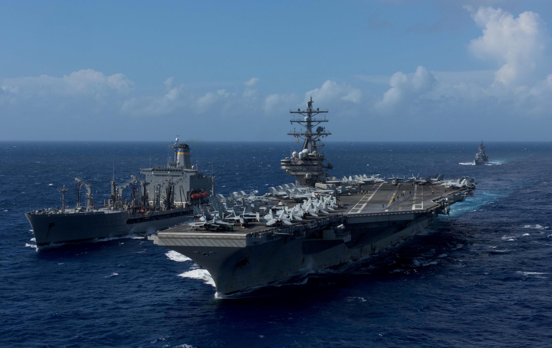 នាវាផ្ទុកយន្តហោះ USS Ronald Reagan របស់កងនាវាចរណ៍អាម៉េរិក