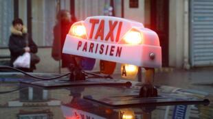 巴黎出租车。