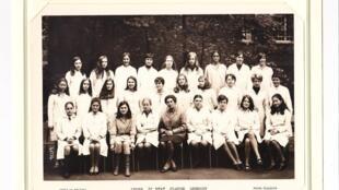 Foto de clase de un grupo de muchachas del liceo de Sceaux en el 68.