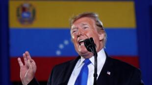 Tổng thống Mỹ Donald Trump phát biểu trước cộng đồng người Venezuela tại Miami, Florida, ngày 18/02/2019.