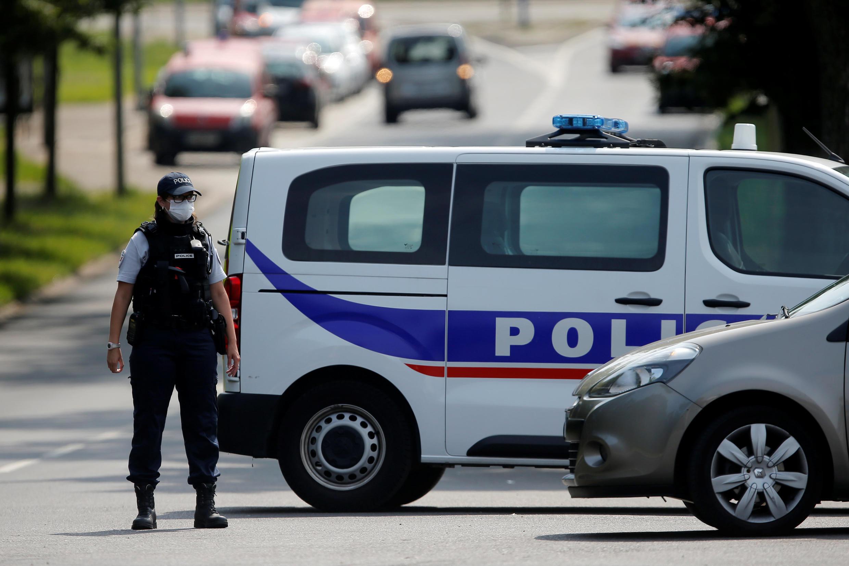 Полицейская операция проводилась со вторника по четверг Специальным межрегиональным департаментом полиции города Ренна (Бретань).