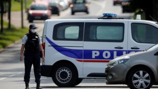 Homem, que segundo as primeiras informações seria um professor, foi decapitado nos arredores de Paris, onde um perímetro de segurança foi instalado (imagem ilustrativa)